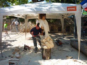 Démonstration de sculpture sur bois